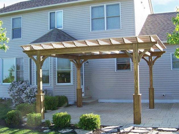 What Are the Advantages of a Pergola?